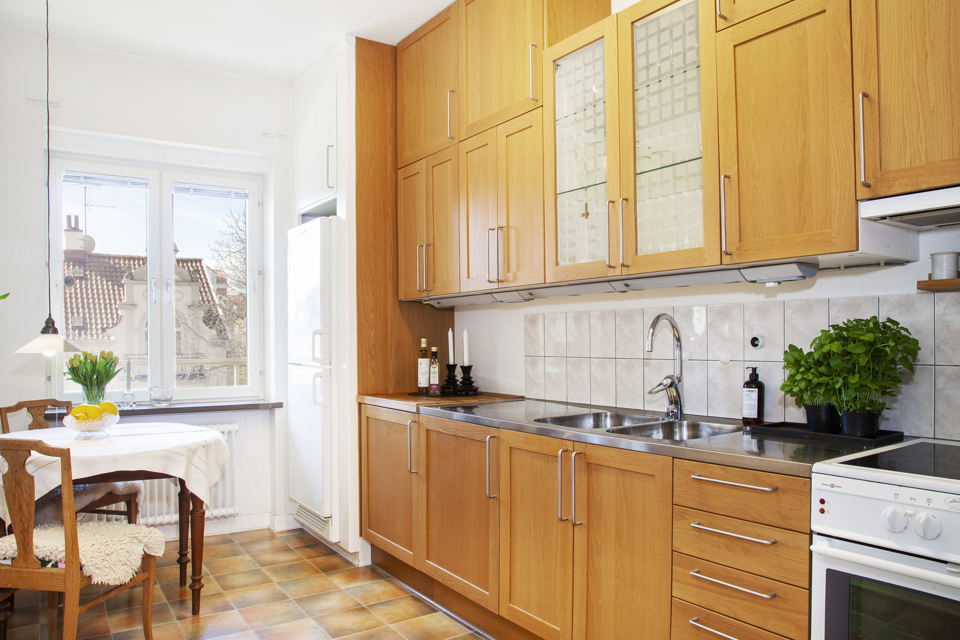 Kök med gott om plats för förvaring
