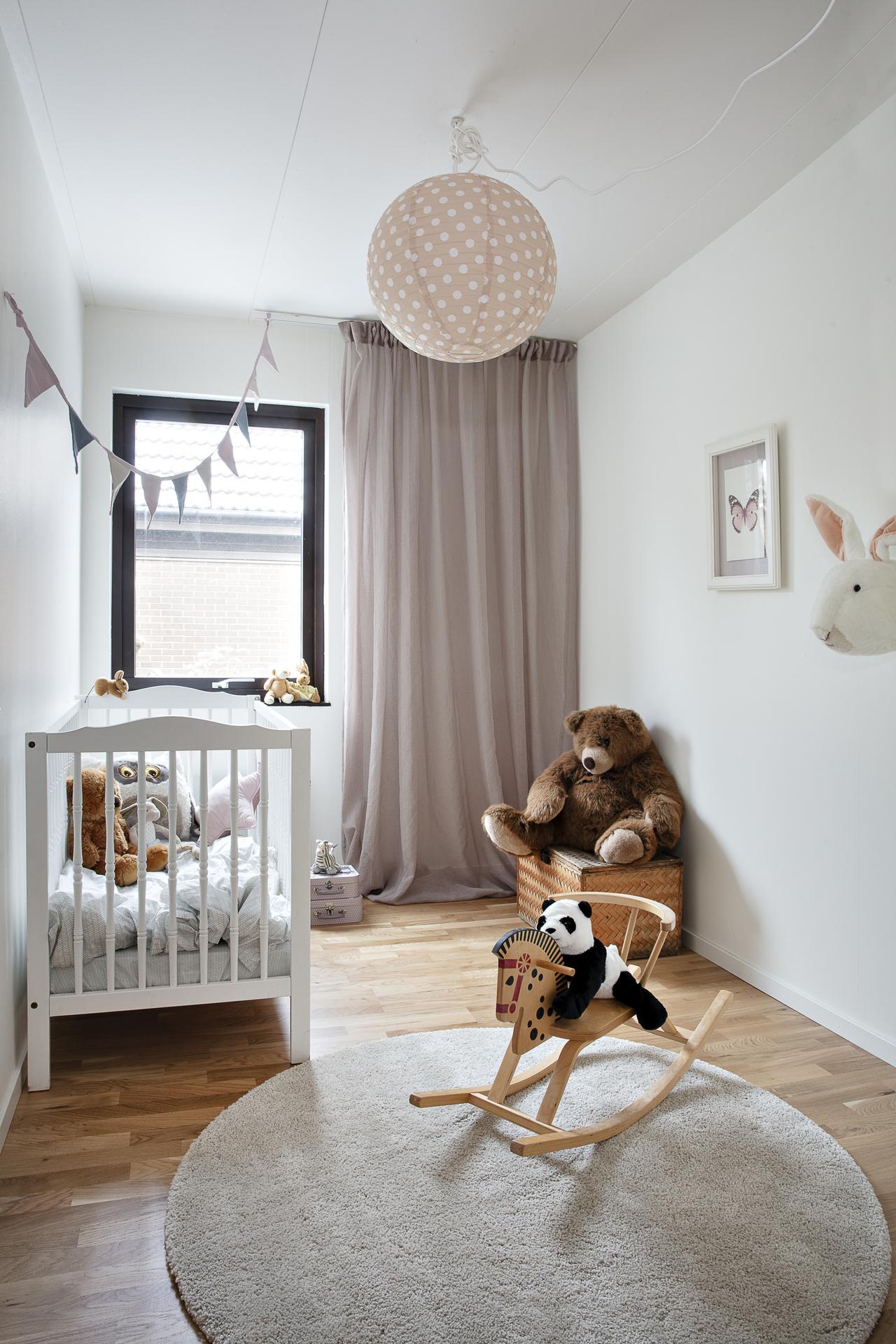 Sovrum 3, vilket är möblerat som barnrum
